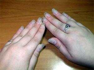 Нарощенные акрилом ногти