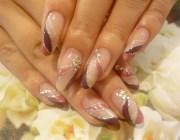 Бежевые нарощенные ногти