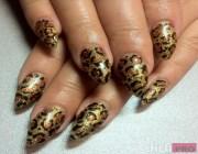 Ногти черные с золотом