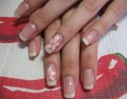 Короткие нарощенные ногти френч