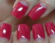 Маникюр с красным лаком на короткие ногти