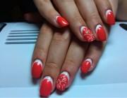 Лунки на ногтях маникюр