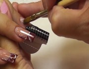 Арочное моделирование ногтей гелем