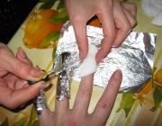 Растворение геля на ногтях