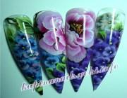 Розы в ногтевой росписи
