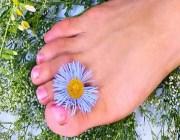 Как ускорить рост ногтей на ногах