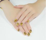 Золотой металлик на ногтях