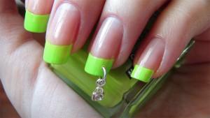 фото ногти нарощенные френч зеленый