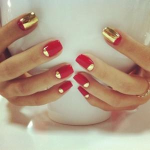 Дизайн золотой фольгой