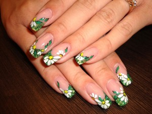 дизайн ромашек на ногтях