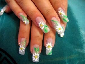 Ромашки на ногтях акрилом