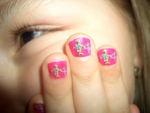 Дизайн ногтей детский