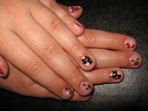 Маникюр на детских ногтях